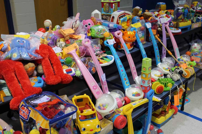 HVPOM Mom2Mom Sale - Toys
