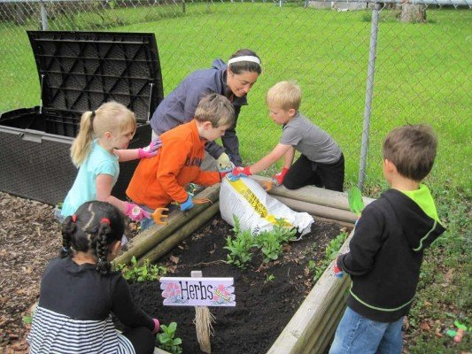 Early Learning Center - Gardening