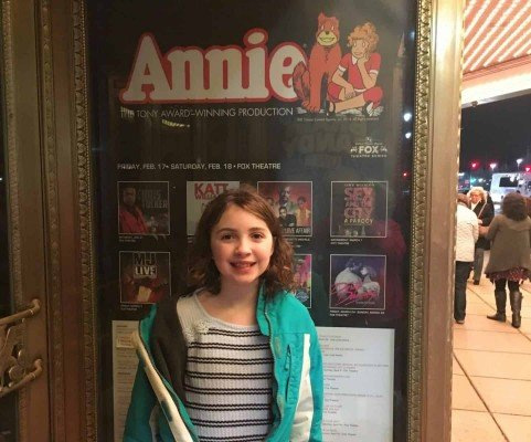 Annie Detroit - Fox Theatre - Outside the Theatre