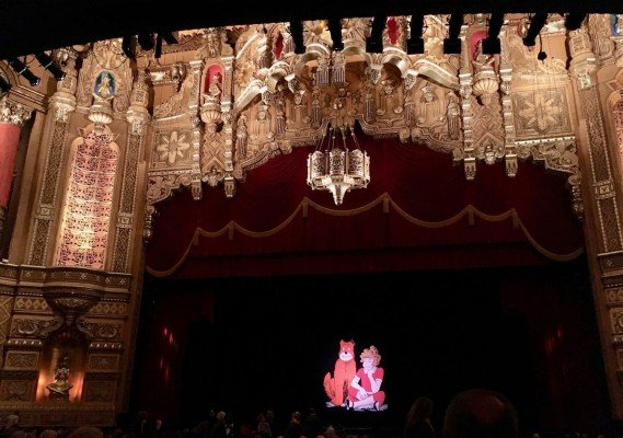 Annie at Detroit's Fox Theatre - Stage