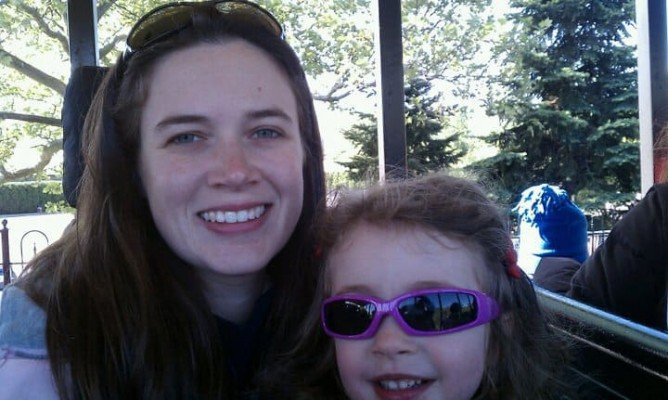 Day Out With Thomas - Riding the Train with her aunt
