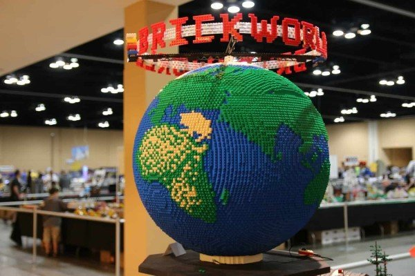 Brickworld Michigan - Spinning Globe